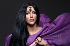 Όμορφο κορίτσι με το αραβικό makeup Στοκ φωτογραφία με δικαίωμα ελεύθερης χρήσης