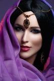 Όμορφο κορίτσι με το αραβικό makeup Στοκ Φωτογραφία