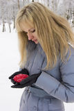 Όμορφο κορίτσι με το κόκκινο κερί Στοκ Εικόνα