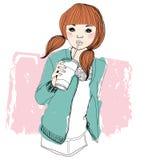 Όμορφο κορίτσι με το ποτό Στοκ Εικόνες