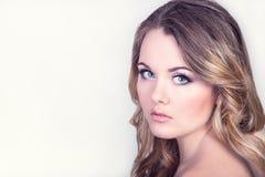 Όμορφο κορίτσι με το makeup Στοκ φωτογραφία με δικαίωμα ελεύθερης χρήσης