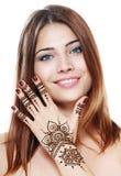 Όμορφο κορίτσι με το mehandi Στοκ Εικόνες