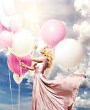 όμορφο κορίτσι μπαλονιών στοκ φωτογραφίες