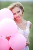 όμορφο κορίτσι μπαλονιών Στοκ Εικόνες