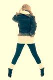 όμορφο κορίτσι μόδας ανασκόπησης που απομονώνεται άσπρος χειμώνας Κορίτσι στο θερμό φίλτρο ιματισμού instagram Στοκ φωτογραφία με δικαίωμα ελεύθερης χρήσης