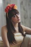 όμορφο κορίτσι λουλουδιών Στοκ Εικόνα