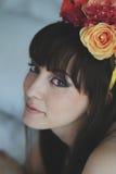 όμορφο κορίτσι λουλουδιών Στοκ Φωτογραφίες