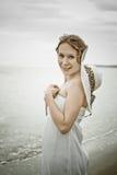 Όμορφο κορίτσι σε ένα αναδρομικό ύφος Στοκ φωτογραφία με δικαίωμα ελεύθερης χρήσης