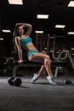 Όμορφο κορίτσι στη γυμναστική Στοκ Φωτογραφία