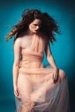 Όμορφο κορίτσι στο στούντιο, αναγέννηση Στοκ εικόνα με δικαίωμα ελεύθερης χρήσης