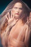 Όμορφο κορίτσι στο στούντιο, αναγέννηση Στοκ Εικόνες