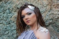 Όμορφο κορίτσι στην παραλία Στοκ εικόνες με δικαίωμα ελεύθερης χρήσης