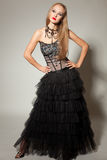 όμορφο κορίτσι φορεμάτων &kapp Στοκ φωτογραφία με δικαίωμα ελεύθερης χρήσης