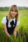 όμορφο κορίτσι φωτογραφ&iota Στοκ φωτογραφία με δικαίωμα ελεύθερης χρήσης