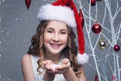 όμορφο κορίτσι Χριστουγέ στοκ εικόνες
