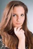 όμορφο κορίτσι brunette προκλητ&io στοκ φωτογραφία με δικαίωμα ελεύθερης χρήσης
