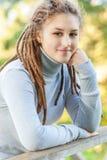 όμορφο κορίτσι dreadlocks Στοκ εικόνες με δικαίωμα ελεύθερης χρήσης