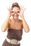Όμορφο κοριτσιών και εμφανίζει χέρια γυαλιών Στοκ Εικόνες