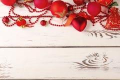 όμορφο κόκκινο Χριστουγέννων σφαιρών Στοκ εικόνες με δικαίωμα ελεύθερης χρήσης