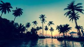 Όμορφο λυκόφως σε μια τροπική παραλία Φύση Στοκ φωτογραφία με δικαίωμα ελεύθερης χρήσης