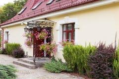 Όμορφο μέγαρο στο πολωνικό χωριό. Στοκ φωτογραφία με δικαίωμα ελεύθερης χρήσης