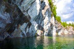 όμορφο μαρμάρινο καλοκαίρι τοπίων φαραγγιών Στοκ εικόνα με δικαίωμα ελεύθερης χρήσης