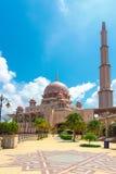 Όμορφο μουσουλμανικό τέμενος Putra (Masjid) Στοκ Εικόνες