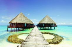 Όμορφο μπανγκαλόου Μαλδίβες ατολλών στοκ εικόνα με δικαίωμα ελεύθερης χρήσης