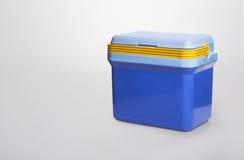 Όμορφο μπλε δοχείο ψύξης με το α yelllow λαβή επάνω Στοκ φωτογραφία με δικαίωμα ελεύθερης χρήσης