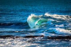 όμορφο μπλε ωκεάνιο κύμα Στοκ Φωτογραφίες