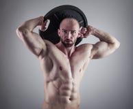 Όμορφο μυϊκό άτομο Στοκ Φωτογραφίες