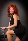 Όμορφο νέο κοκκινομάλλες κορίτσι Στοκ φωτογραφία με δικαίωμα ελεύθερης χρήσης