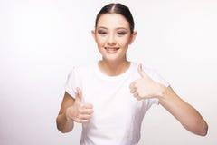 Όμορφο νέο κορίτσι με το στήριγμα Στοκ Εικόνες