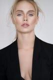 Όμορφο νέο κορίτσι με το nude makeup Στοκ φωτογραφίες με δικαίωμα ελεύθερης χρήσης