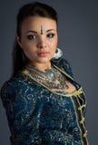 Όμορφο νέο κορίτσι σε ένα ιστορικό φόρεμα Στοκ φωτογραφίες με δικαίωμα ελεύθερης χρήσης