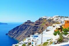 Όμορφο νησί Κυκλάδες Ελλάδα Santorini άποψης παραλιών Στοκ φωτογραφία με δικαίωμα ελεύθερης χρήσης