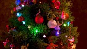 Όμορφο ντεκόρ του νέου δέντρου έτους απόθεμα βίντεο