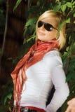 όμορφο ξανθό δάσος κοριτσ Στοκ Εικόνες