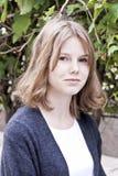 Όμορφο ξανθό κορίτσι δεκατέσσερα χρονών στοκ φωτογραφίες με δικαίωμα ελεύθερης χρήσης