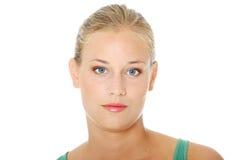 όμορφο ξανθό κορίτσι περι&sigma Στοκ Φωτογραφία