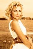 όμορφο ξανθό κορίτσι Στοκ Εικόνες
