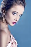 όμορφο ξανθό μπλε eyed πορτρέτ&omicro στοκ εικόνες