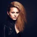 Όμορφο ξανθό πορτρέτο γυναικών Στοκ Φωτογραφία