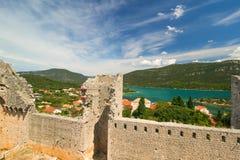 Όμορφο πανόραμα του φρουρίου και των τοίχων στο Μαλί Ston, Κροατία Στοκ Εικόνα