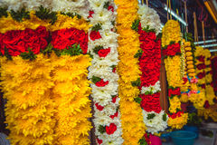 Όμορφο περιδέραιο λουλουδιών κοντά στον ινδό ναό στη Κουάλα Λουμπούρ Στοκ εικόνες με δικαίωμα ελεύθερης χρήσης