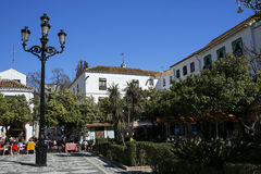 Όμορφο πορτοκαλί Square Plaza de Los Naranjos Marbella, Ανδαλουσία, Ισπανία Στοκ εικόνα με δικαίωμα ελεύθερης χρήσης