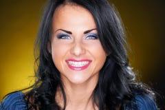 όμορφο πορτρέτου κοριτσ&iot Στοκ εικόνες με δικαίωμα ελεύθερης χρήσης