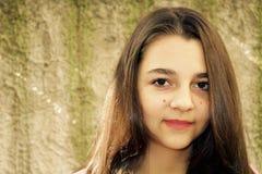 Όμορφο πορτρέτο κοριτσιών εφήβων Στοκ εικόνα με δικαίωμα ελεύθερης χρήσης