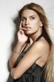 όμορφο πορτρέτο brunette Στοκ φωτογραφίες με δικαίωμα ελεύθερης χρήσης