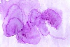 Όμορφο πορφυρό υπόβαθρο watercolor - χρώματα watercolor στο α Στοκ Εικόνες